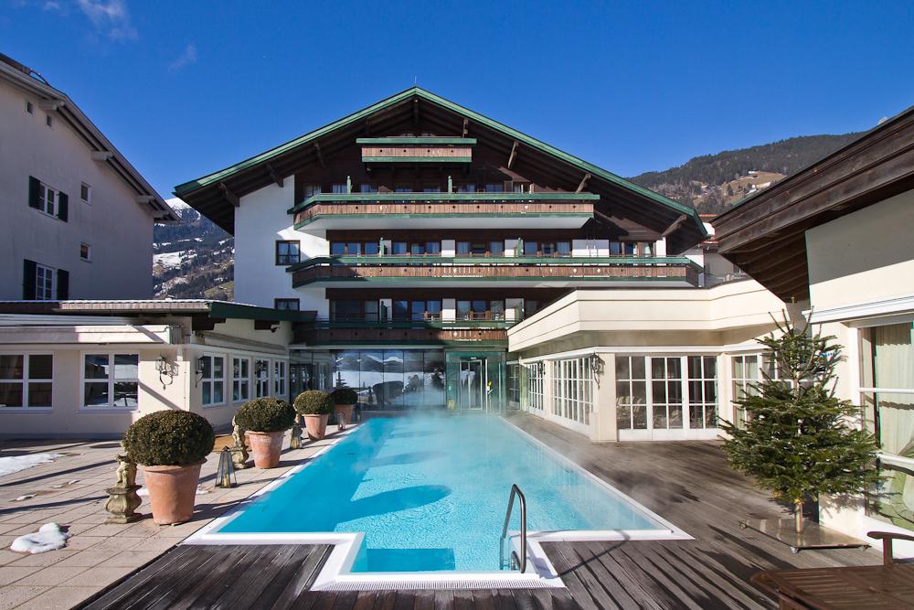 oesterreich_winter_wochenende_ski_rodeln_tirol_hainzenberg_gerloss_zell_ziller_arena_touareg_vw_offroad_mietwagen_hotel_theresa_20