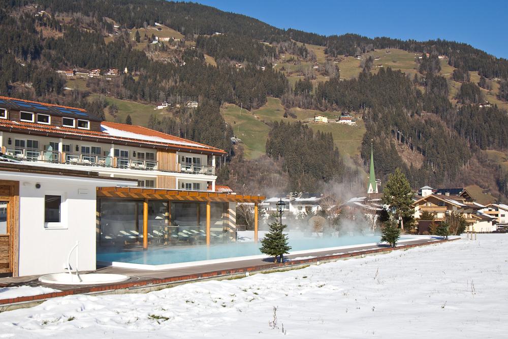 oesterreich_winter_wochenende_ski_rodeln_tirol_hainzenberg_gerloss_zell_ziller_arena_touareg_vw_offroad_mietwagen_hotel_theresa_23