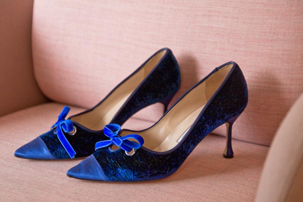 outfit_fashionblog_muenchen_benetton_kleid_blau_elegant_business_buero_manolo_blahnik_kaufen_03