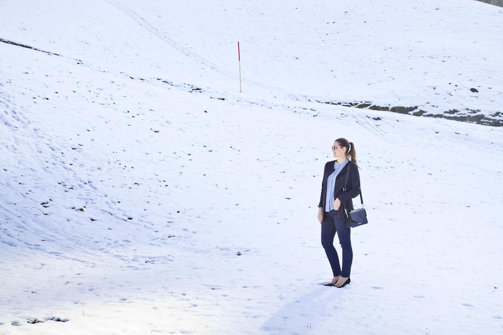 Lagerfeld outfit_bluse_wildleder_mantel_pumps_modeblog_muenchen_10