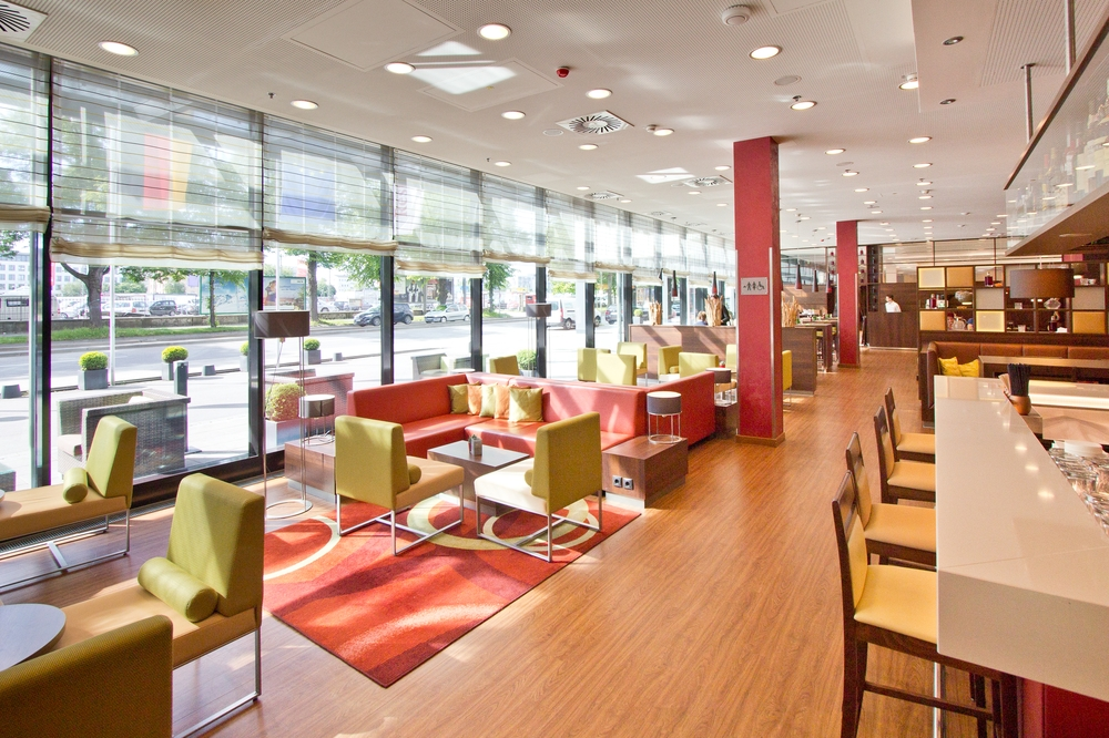 courtyard_marriott_muenchen_ost_brunch_restaurant_breakfast_fruehstueck_hotel_04