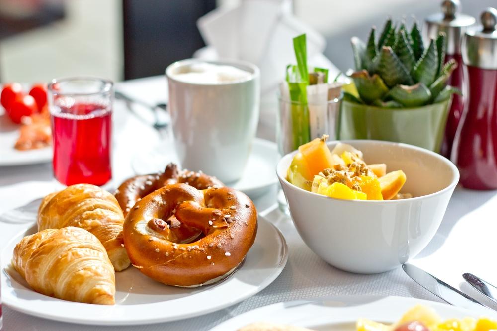 courtyard_marriott_muenchen_ost_brunch_restaurant_breakfast_fruehstueck_hotel_08
