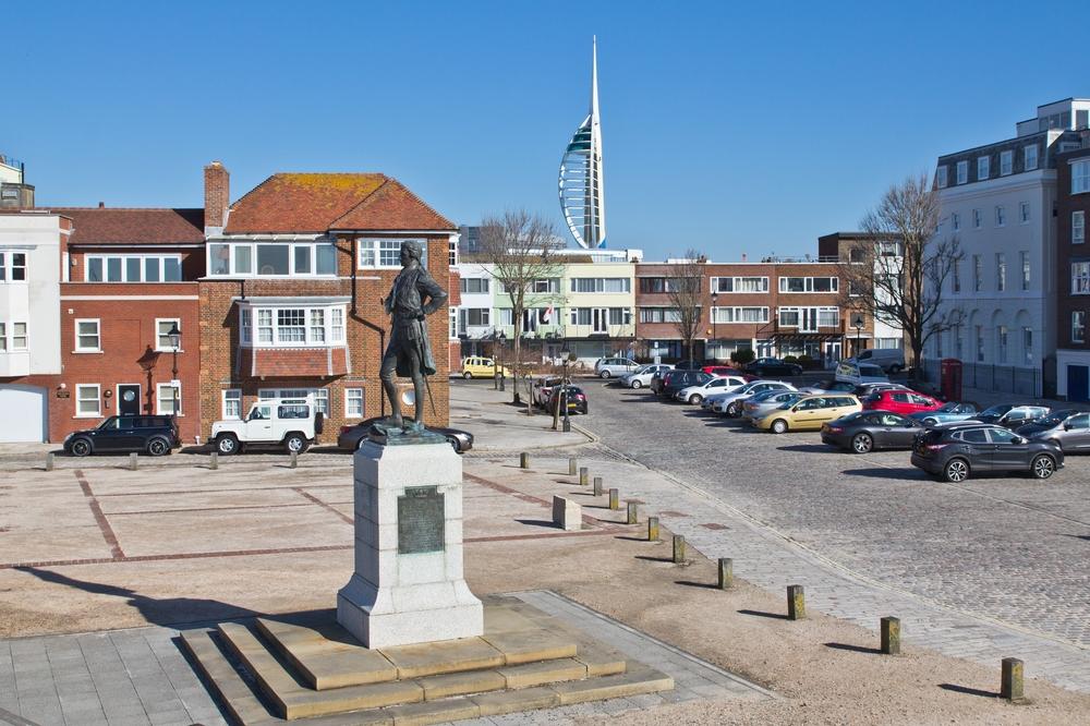 portsmouth_gunwharf_quays_hms_victory_spinnaker_tower_06