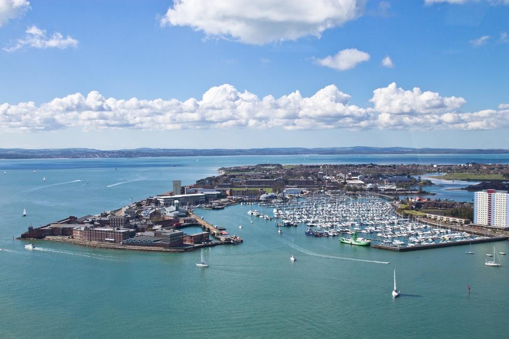 portsmouth_gunwharf_quays_hms_victory_spinnaker_tower_28