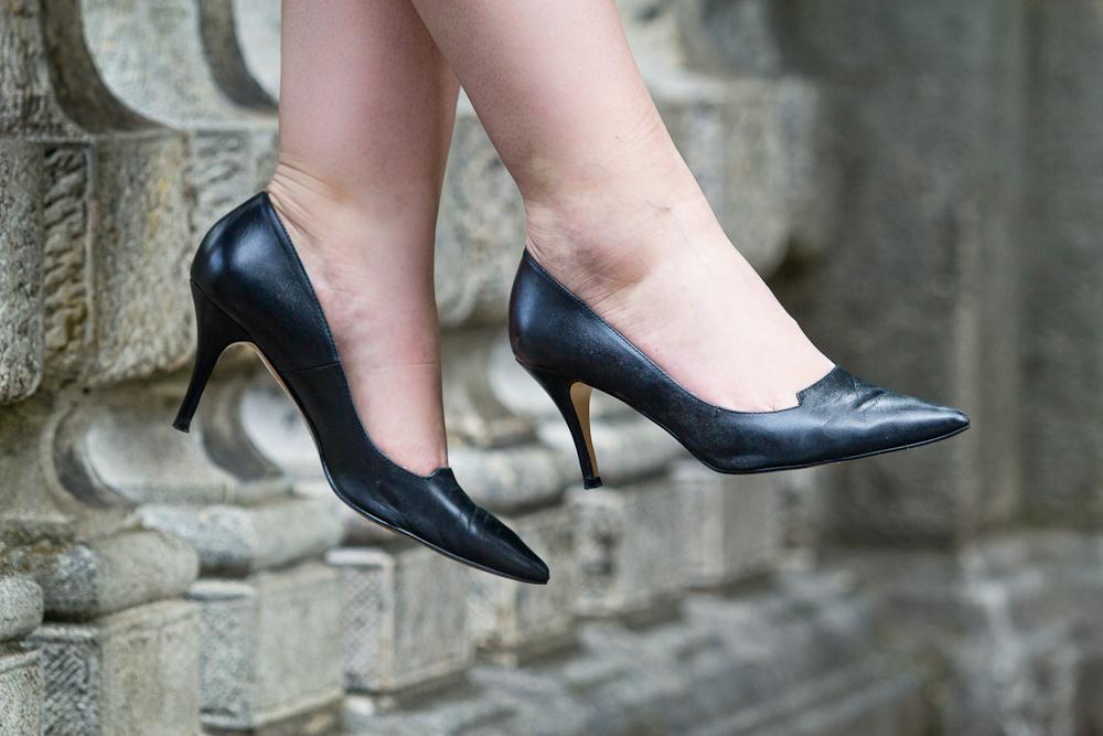 outfit_modeblog_muenchen_little_black_dress_prada_pumps_outlet_02