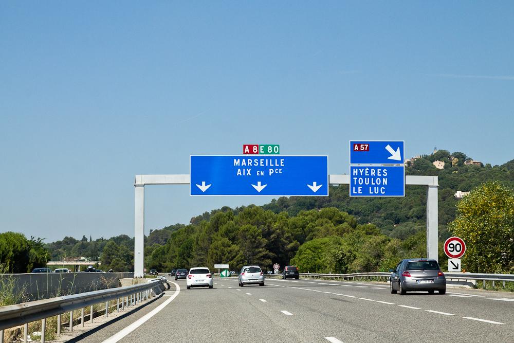 marseille_suedfrankreich_reiseblog_roadtrip_vieux-port_sacre-coeur-de-la-garde_radisson_blu_pool_dach_15