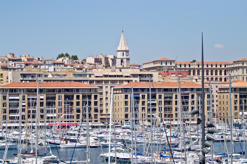 marseille_suedfrankreich_reiseblog_roadtrip_vieux-port_sacre-coeur-de-la-garde_radisson_blu_pool_dach_24