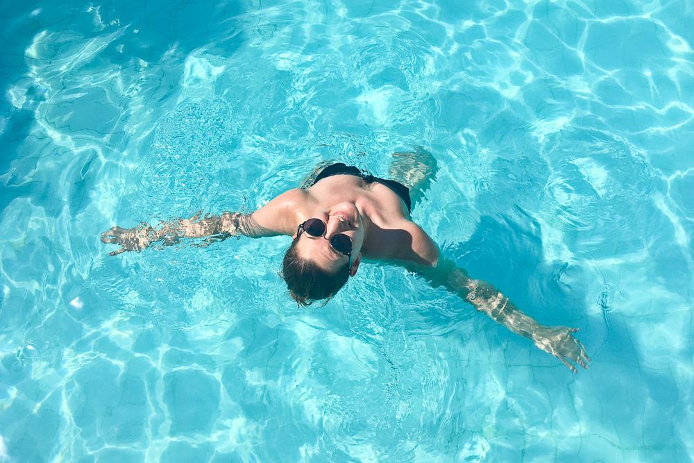 marseille_vieux_port_radisson_blu_pool_dach