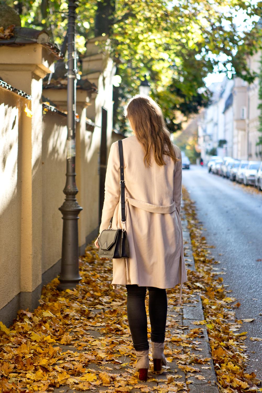 fashion_blog_muenchen_outfit_herbst_karl_lagerfeld_hallhuber_tamaris_02