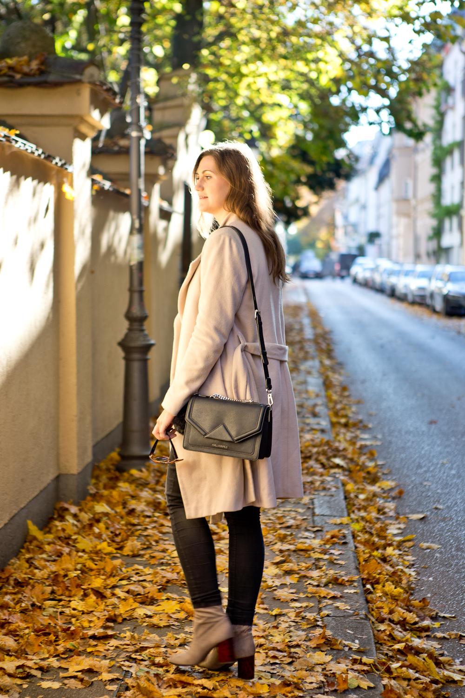 fashion_blog_muenchen_outfit_herbst_karl_lagerfeld_hallhuber_tamaris_04